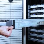 [CONTENTS] 事例 データセンター移転統合に伴った全アイテム消去と撤去処分 ブロードリンク
